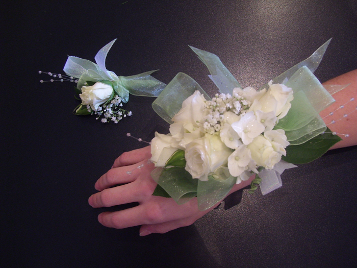 Pagosa springs flowers pagosa springss finest flower shop angelas flowers corsage pagosa springs flowers corsage pagosa springs flowers wrist corsage mightylinksfo